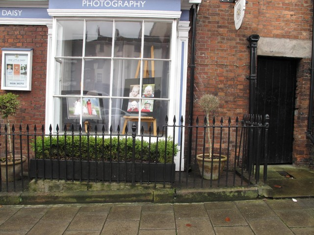 photo of cast iron railings in Leek